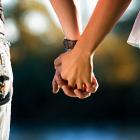 """Thumbnail image for Jak Sprawdzić Czy Dziewczynie Zależy i Czy Mnie """"Kocha""""?"""