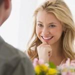 <b>O czym rozmawiać z dziewczyną na pierwszej randce - Video: Top 10 Tematów</b>