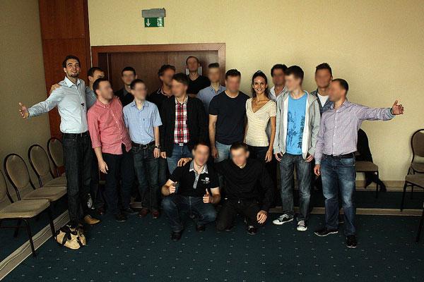 zdjęcie uczestników seminarium - Tranzycje, czyli przejścia doflirtu