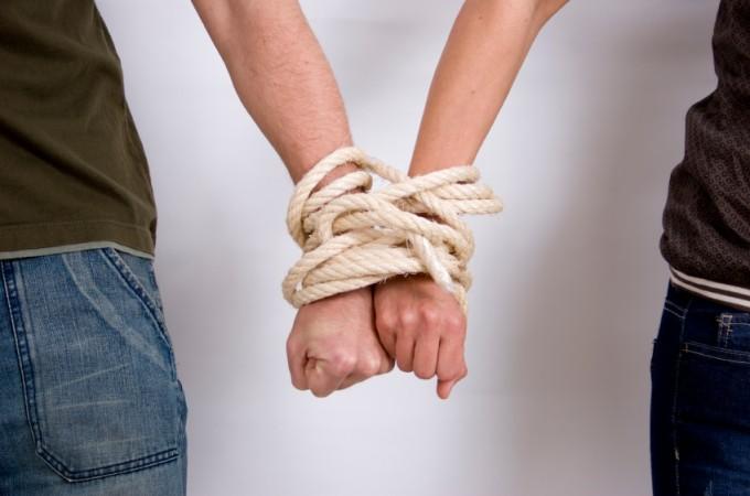 mieszkanie z dziewczyną kiedy zamieszkać razem jak uniknąć rozwodu