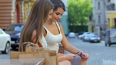 jak zagadać do dziewczyny na ulicy - jak pokonać nieśmialość