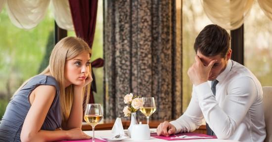 dziewczyna pyta czy często chodzisz na randki