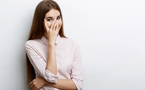 dziewczyna nie odpisuje na fb bo nie jest zainteresowana