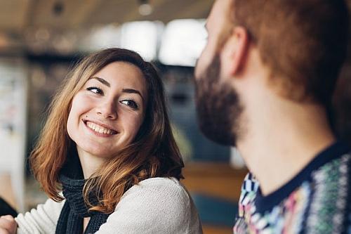 o czym rozmawiać z kobietą żeby przyszła na spotkanie