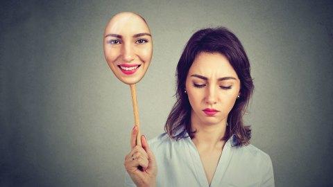 toksyczna dziewczyna partnerka - jak rozpoznać toksyczną kobietę