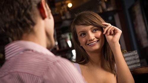 jak zauroczyć kobietę i nie zniechęcić do siebie dziewczyny